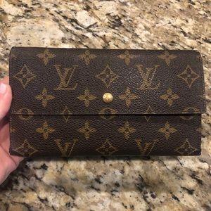 Louis Vuitton International Long Wallet
